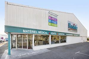 Bastide le Confort Médical Bayonne façade magasin extérieur