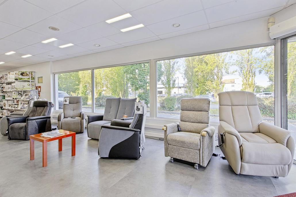 Bastide le Confort Médical Bayonne gamme de fauteuils releveurs